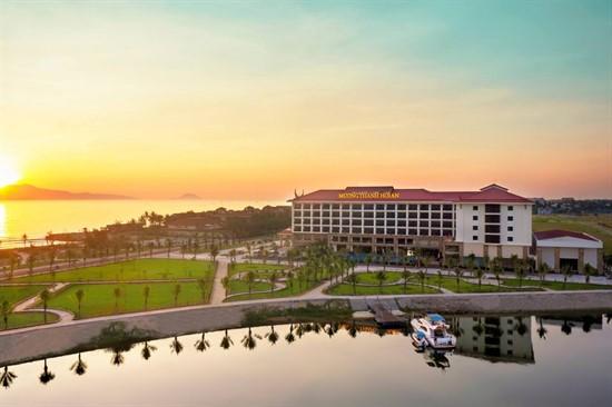 Giải thưởng khách sạn tiêu biểu năm 2018 Mường Thanh có hai đơn vị được nhận giải